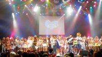 100 Gorgeous Japanese Models At Campus Summit Show In Tokyo