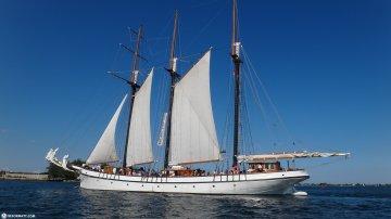 Why Go Sailing On Lake Ontario?