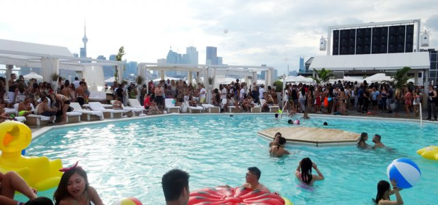 Go wild at cabana pool bar in toronto reformatt travel show for Pool show toronto